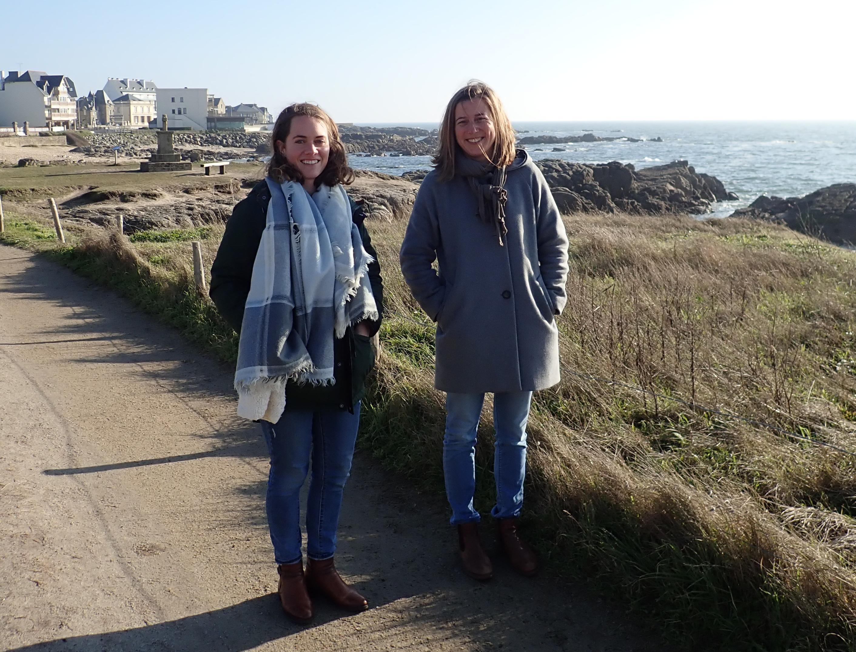 Lara & Enored sur le front de mer au Croisic
